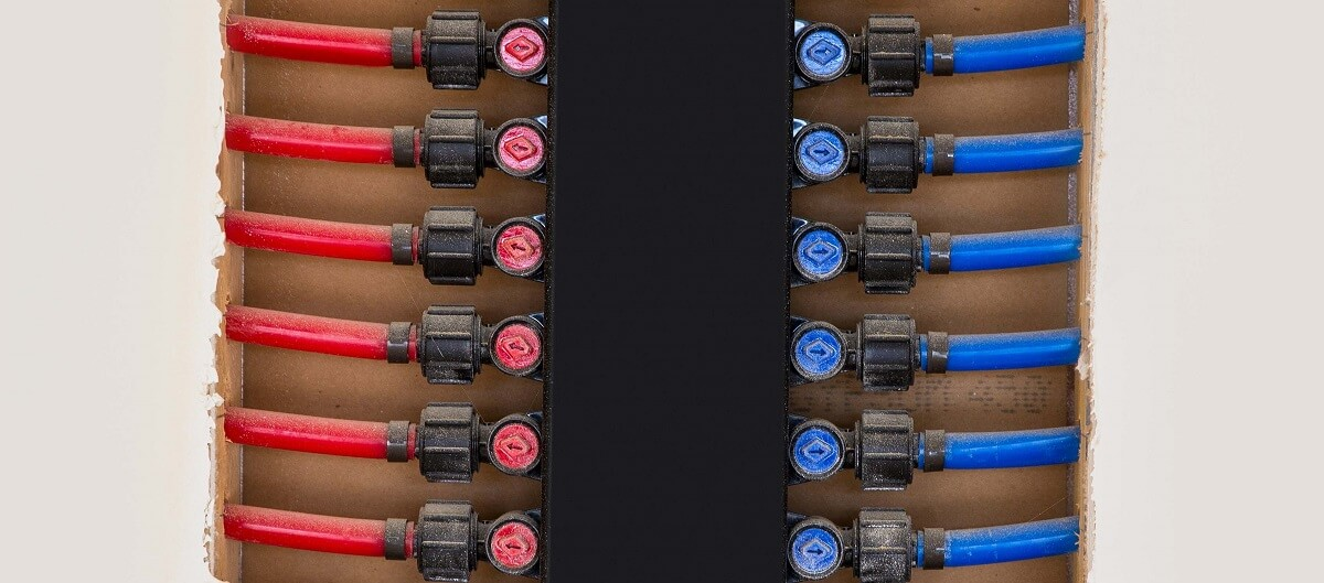 plumbing manifold system PEX tubing for house water distribution